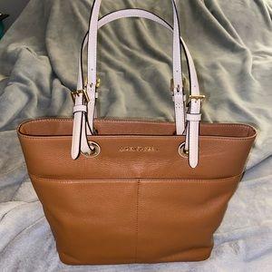 NWT Michael Kors acorn Bedford purse/handbag